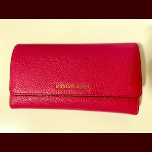 New Michael Kors Hot Pink Leather Trifold Wallet.